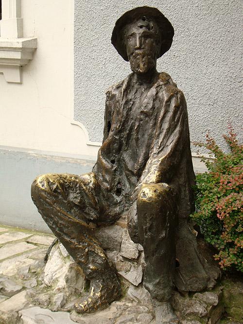 Скадарлия. Памятник Джуре Якшичу