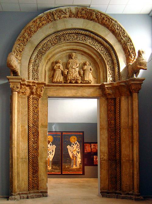 Музей фресок. Реконструкция каменной отделки