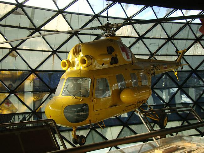 Музей авиации в Белграде. Вертолет Ми-2