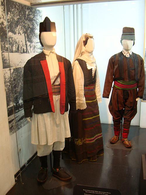 Музей этнографии в Белграде. Сербские национальные костюмы начала XX века