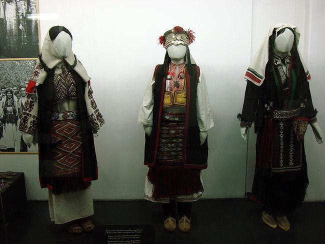 Музей этнографии в Белграде. Боснийские женские национальные костюмы XIX века