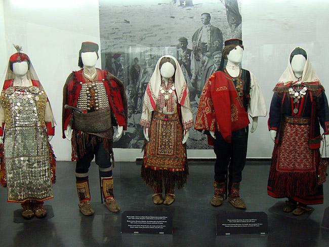 Музей этнографии в Белграде. Национальные костюмы XIX века