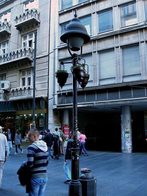 Улица Кнез Михайлова. Фонарь
