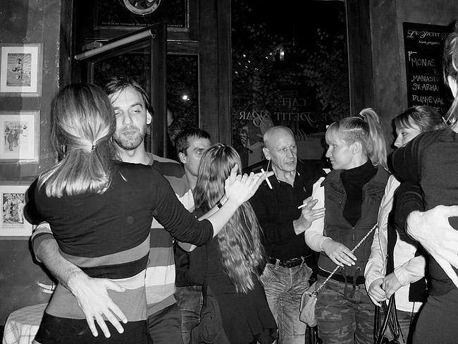 Rock'n'Roll вечер в Le Petit Bar. Иногда звучат и медленные баллады