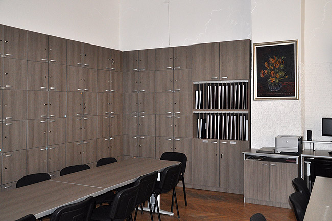 Математическая гимназия — комната для учительских собраний