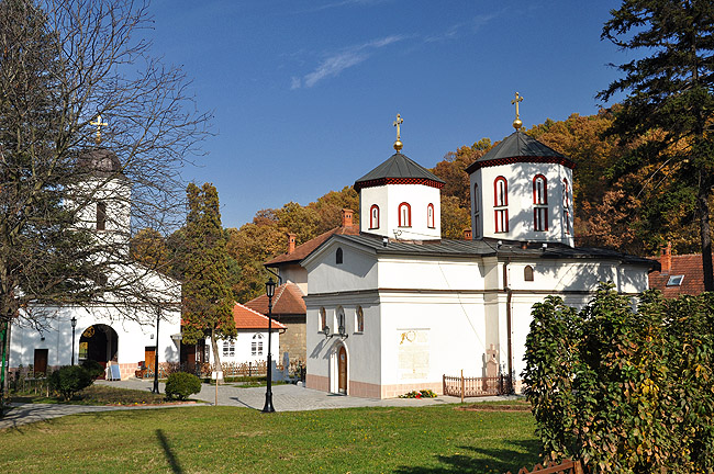 Монастырь Раковица. Монастырский храм