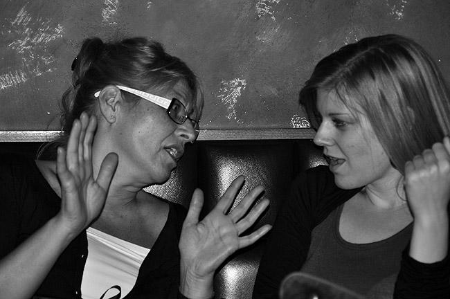 Rock'n'Roll вечер в Le Petit Bar. У женщин танцевальный перерыв
