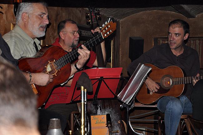 """Le Petit Bar — музыканты группы """"Нежные и неизбежные"""""""