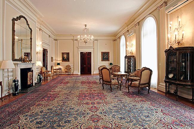 Интерьеры Белого Дворца в Дедине