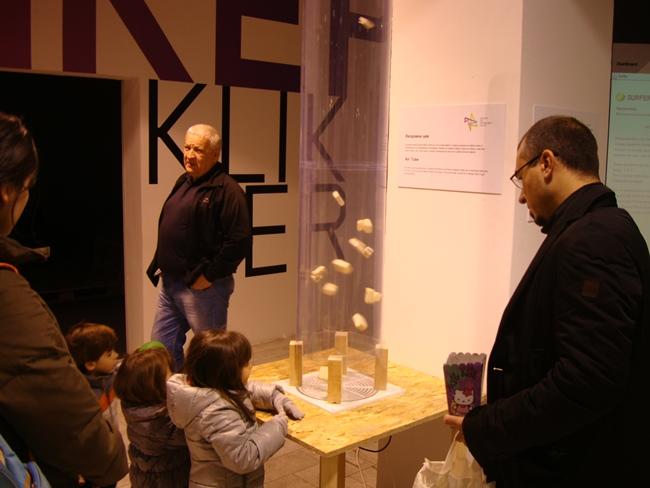 Центр продвижения науки в Белграде на улице Князя Михаила - для детей и взрослых: воздушная труба