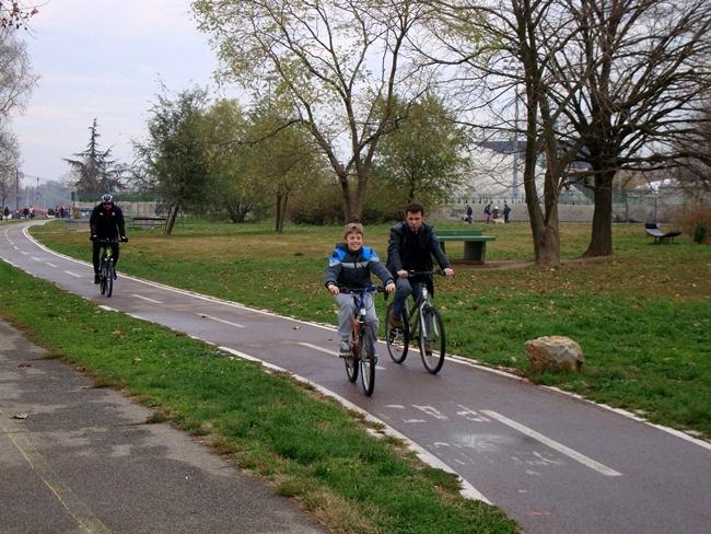 Велопрогулка от спортивного центра имени Милана-Гале Мушкатировича (Дорочол) до Ады Циганлии вдоль Дуная и Саввы